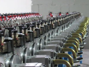 horizontal-mounting-hydraulic-power-units on assembly line
