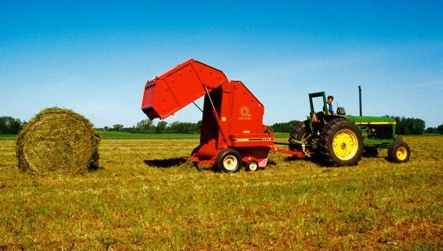 Target hydraulics agricultural hydraulic power units with the help of hay baler power pack the hay can be easily baled in the farm baler with wireless remote control or button remote control when the tractor fandeluxe Gallery