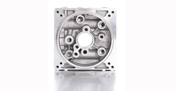 https://www.target-hydraulics.com/wp-content/uploads/2016/11/500050-2-Die-casting-manifold-blocks.jpg